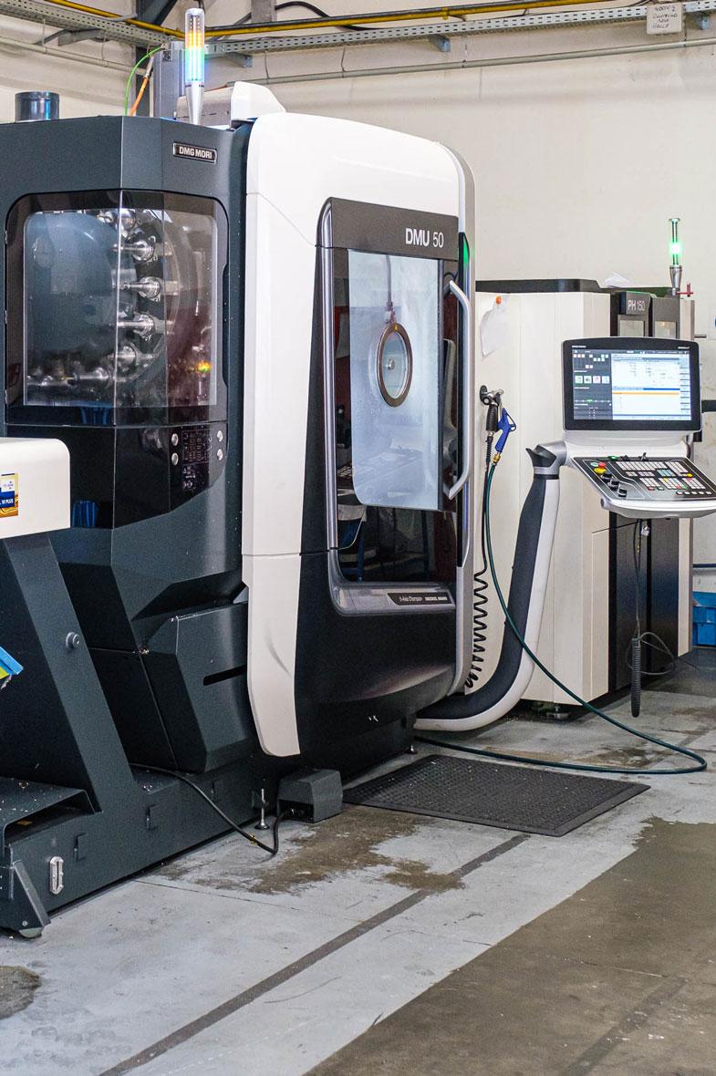 Metallverarbeitung, Lohnfertigung, Zerspanung, Sandstrahlen, RENICA GmbH, Österreich und Ungarn
