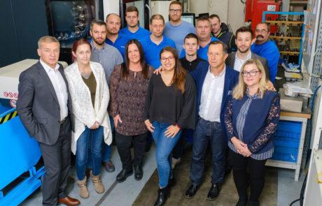 über uns, Mitarbeiter RENICA GmbH, 2340 Mödling, Metallverarbeitung, Lohnfertigung, Zerspanung, Sandstrahlen