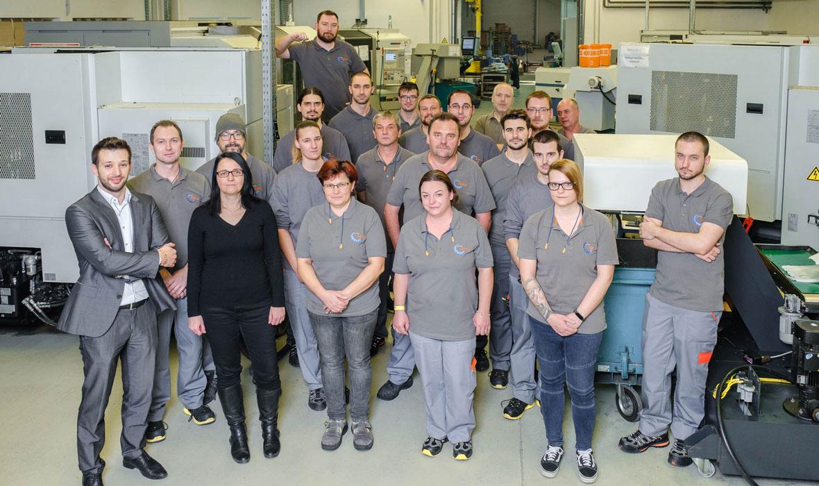 über uns, Mitarbeiter RENICA GmbH, Ungarn, Sopron, Metallverarbeitung, Lohnfertigung, Zerspanung, Sandstrahlen